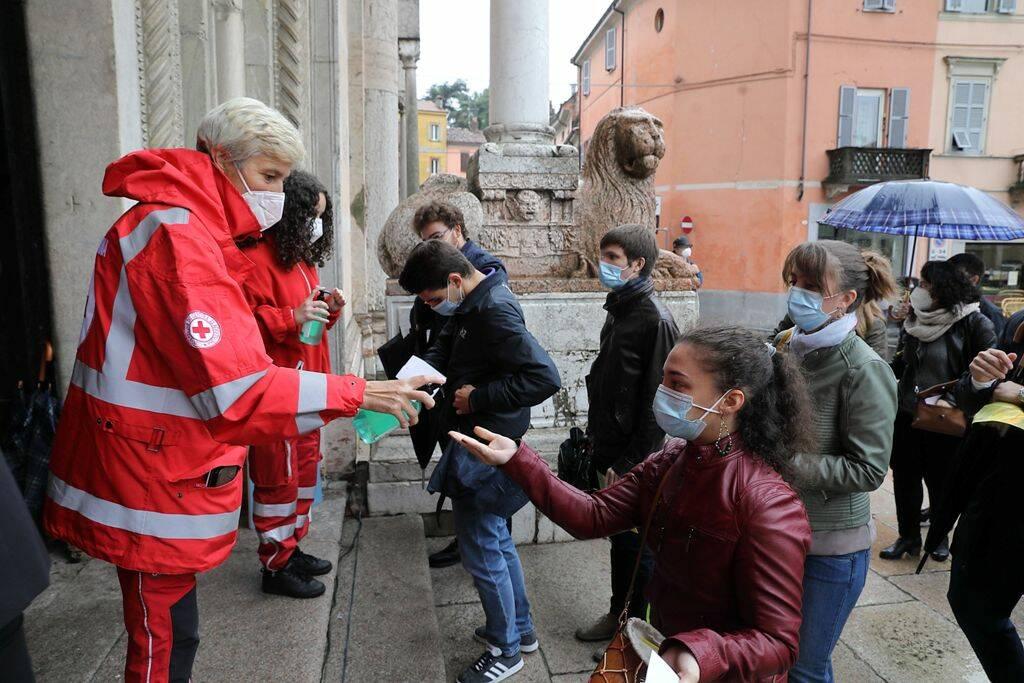 Il vescovo Cevolotto  arriva a Piacenza