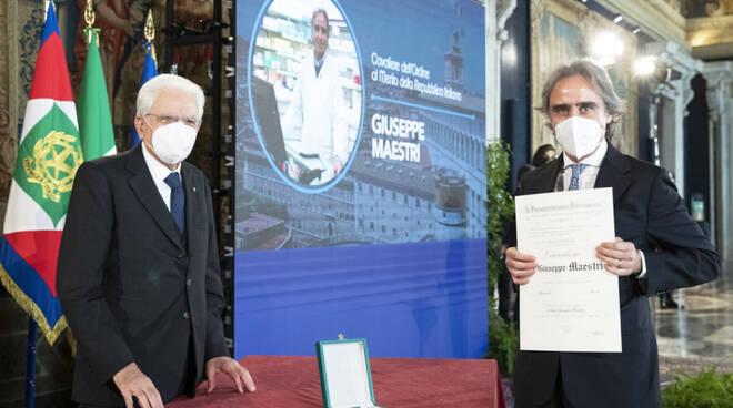 L'onorificenza consegnata a Giuseppe Maestri (foto dal sito del Quirinale)