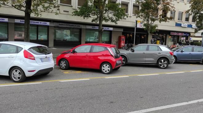 Parcheggio selvaggio al Cheope