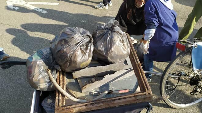 Plastic free la raccolta tra Besurica e Gossolengo