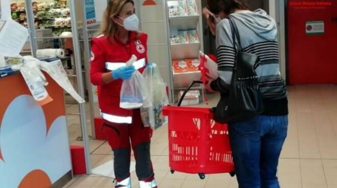 raccolta alimentare dona una spesa
