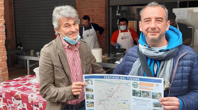 Alessandro Genesi (a sinistra), vicepresidente 'Sentiero del Tidone', e Matteo Bollati, presidente della Pro Loco di Nibbiano