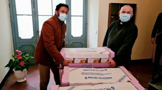 Donazione panettoni Comunità Islamica