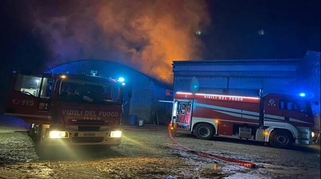 incendio a Monticelli