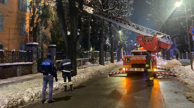 Intervento vigili del fuoco in via Beverora