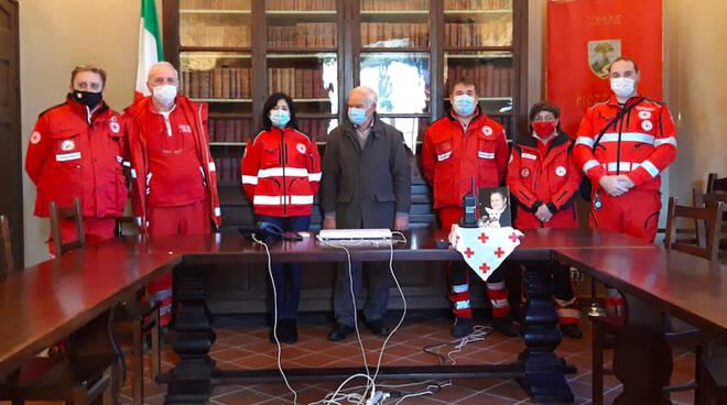 La donazione alla Croce Rossa di Piozzano