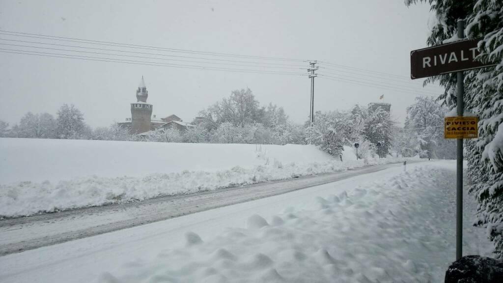 Risveglio in bianco con la neve