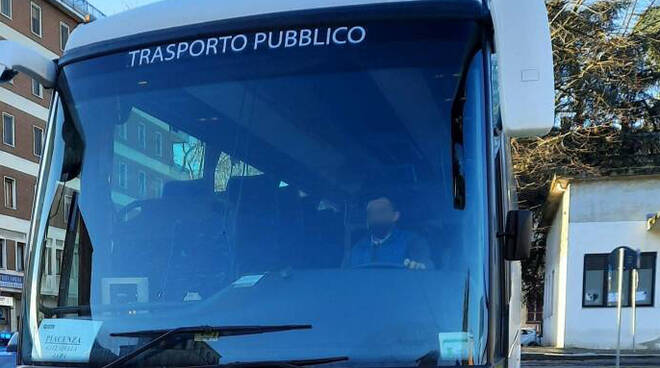 Bus turistico trasporto pubblico