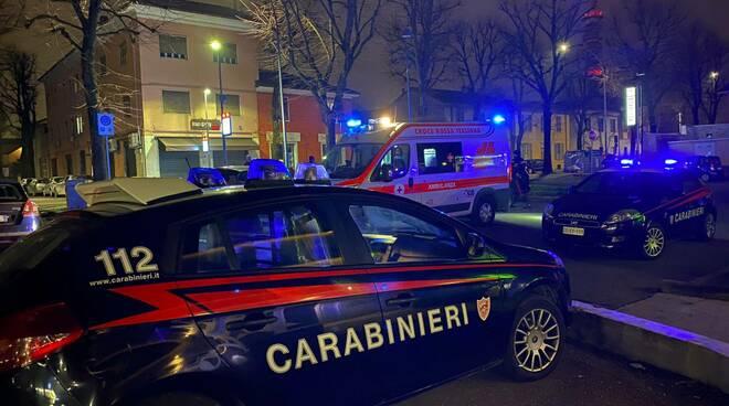 carabinieri notte in via Farnsiana
