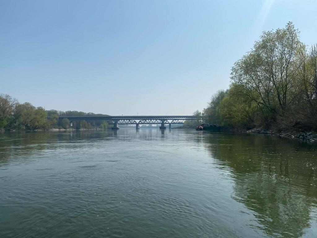La magra di primavera del fiume Po