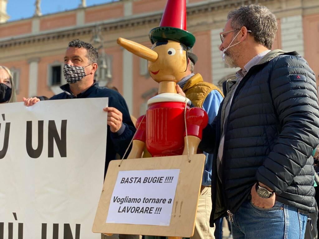La protesta di ristoratori e partite Iva