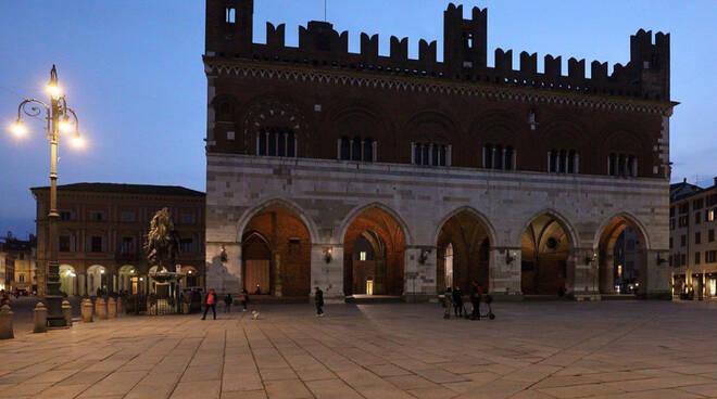 Monumenti spenti a Piacenza