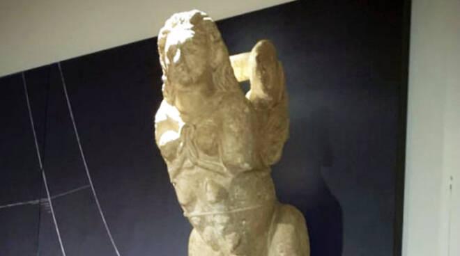 Sfinge alata Palazzo Farnese
