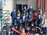 Il cane adolf e i bambini della quinta elementare di gazzola