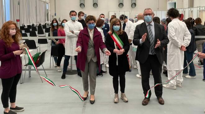 Inaugurazione centro vaccinale a Piacenza Expo