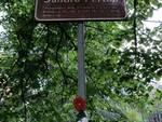 Un fiore nelle vie e monumenti dedicati agli antifascisti