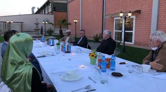 Cena Iftar vescovo Adriano