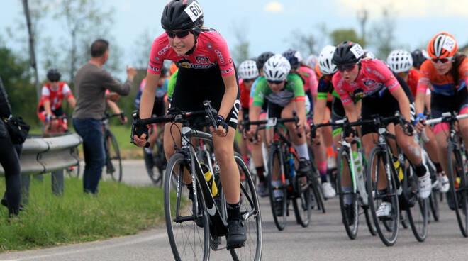 Ciclismo Giovanile VO2 Team Pink (foto Ghilardi)