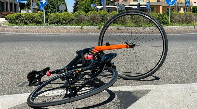 ciclista caduto via Veneto