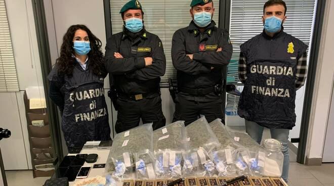 Finanza droga sequestrata