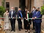L'inaugurazione della sezione romana con le autorità