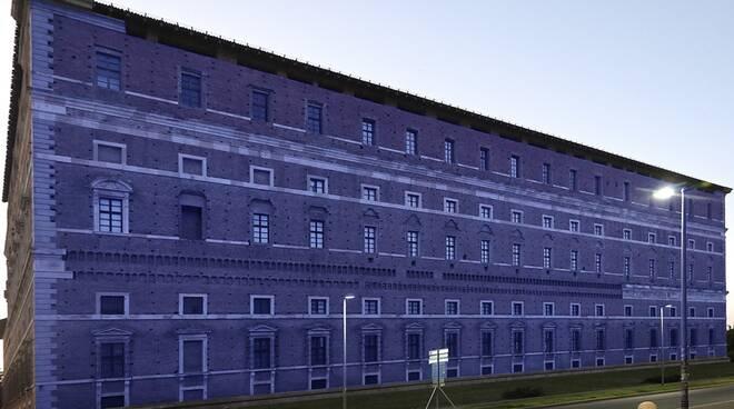 Luci blu a Palazzo Farnese