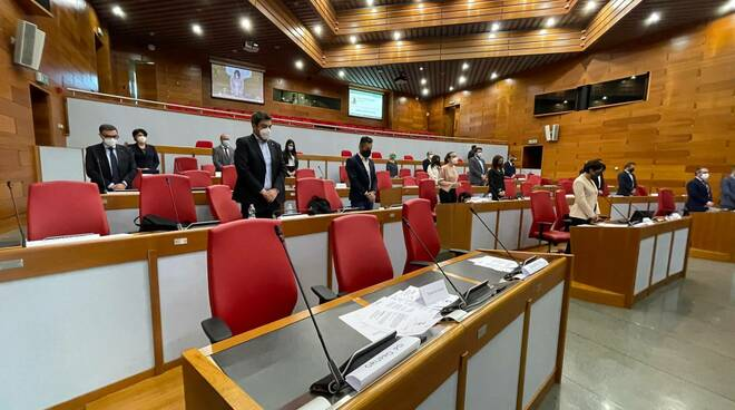 minuto di silenzio assemblea regionale
