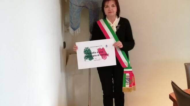 Patrizia Calza nel video contro la mafia