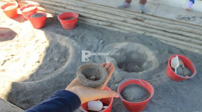 """Laboratorio di scavo simulato """"Nei panni di un Archeologo"""""""