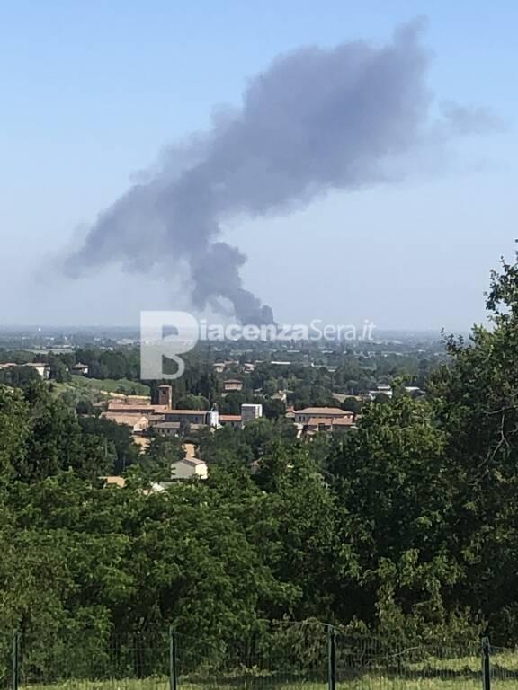 Incidente/Incendio in A1 del 22/06/2021 - Foto da colline di Castell\'Arquato