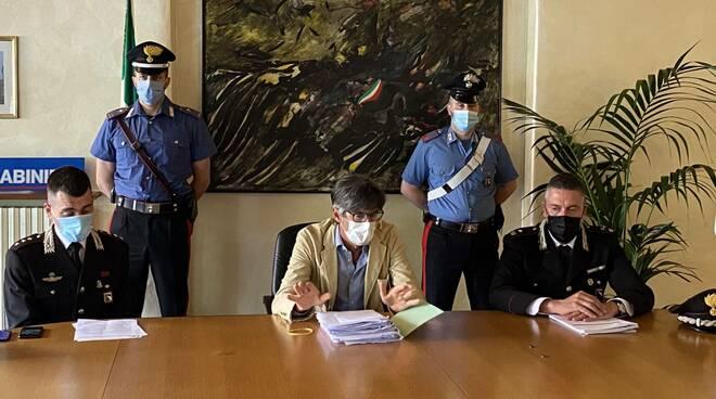 Conferenza stampa carabinieri Pisante