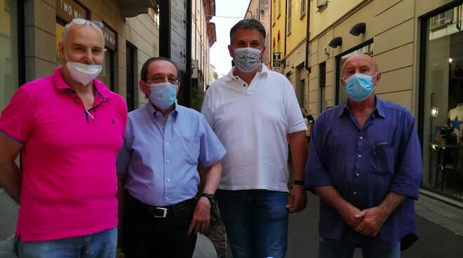 Il banchetto di Forza Italia a Piacenza