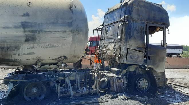 incidente cisterna A1