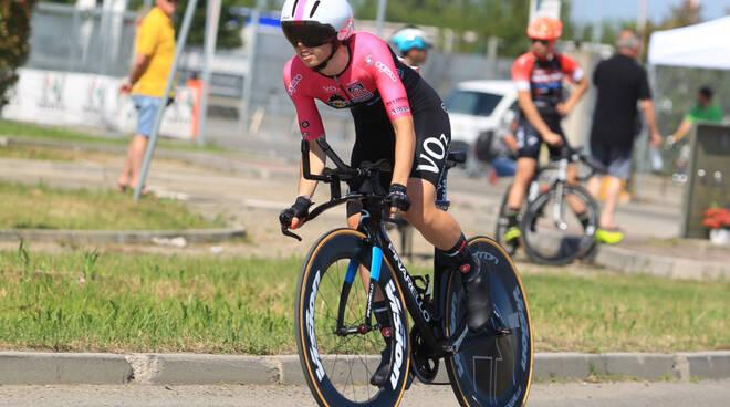 Nella foto di Fabiano Ghilardi, Carlotta Cipressi (VO2 Team Pink) a cronometro