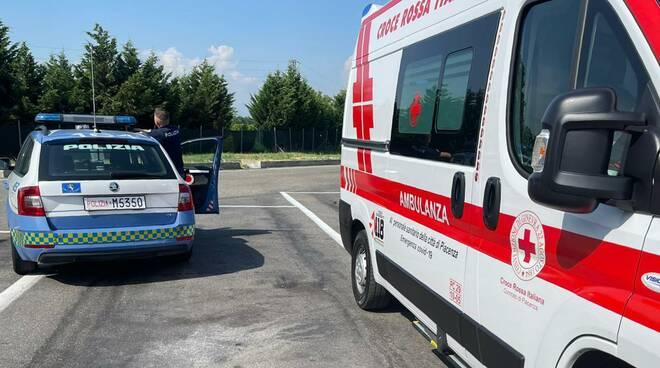 Croce rossa polstrada area di servizio clandestini