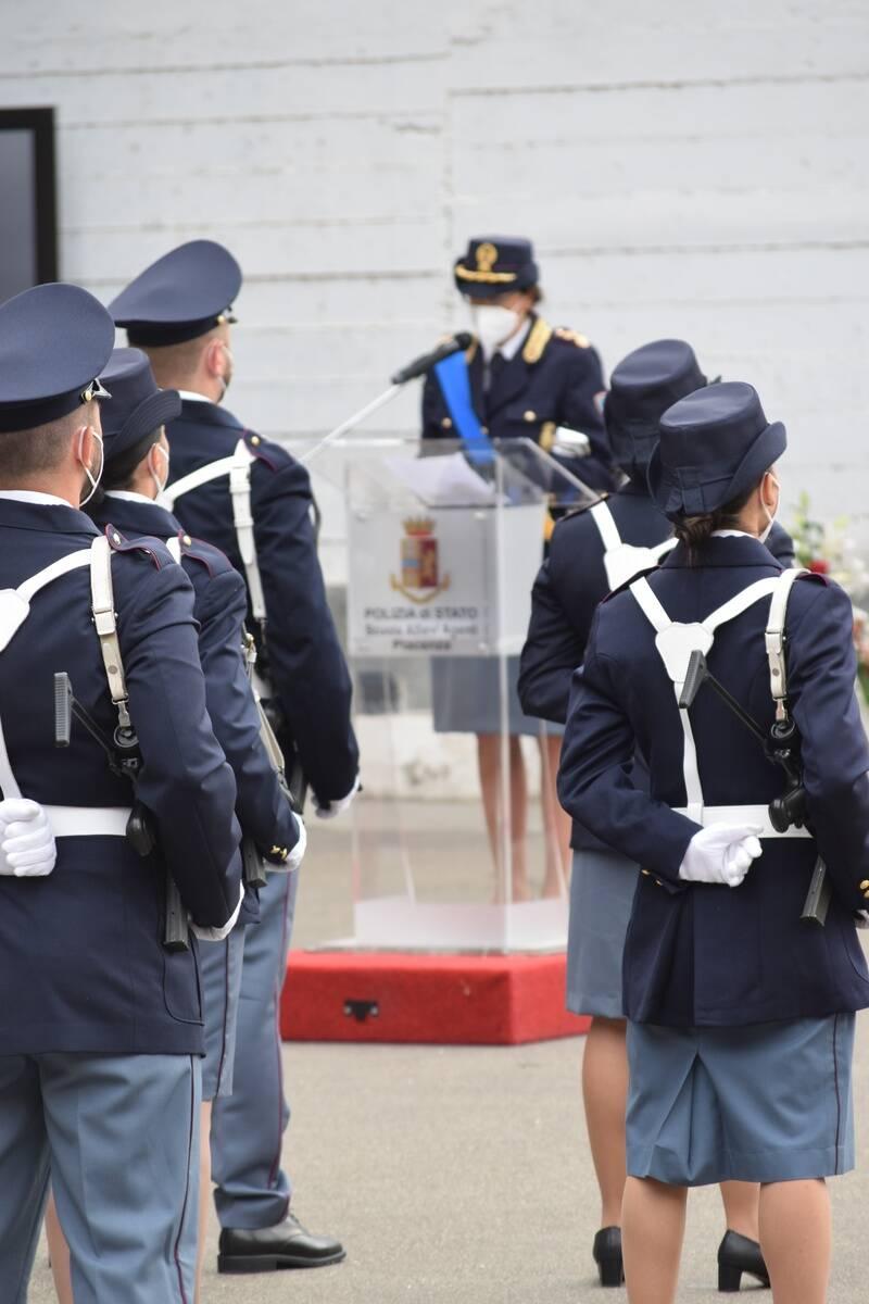 Giuramento degli allievi agenti alla scuola di polizia