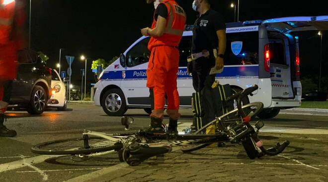 incidente ciclista via Stradiotti