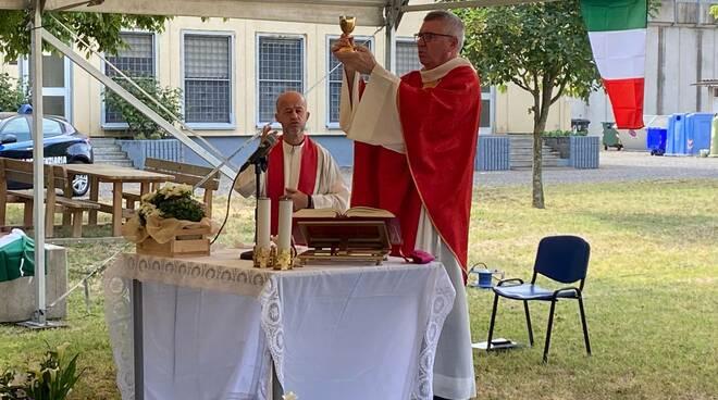 messa vescovo in carcere