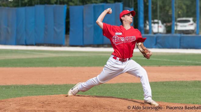 Nella foto di Aldo Scorsoglio il lanciatore Simone Sanna (Piacenza Baseball)