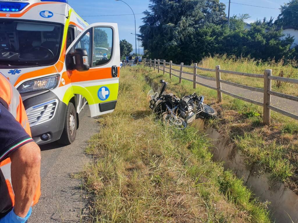 incidente moto Due Case