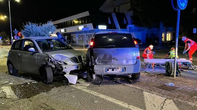 Incidente via Emilia Pavese via Stradella