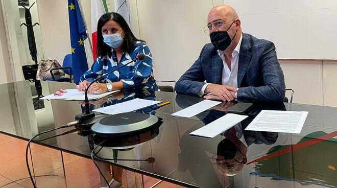 Stefano Bonaccini e Barbara Lori