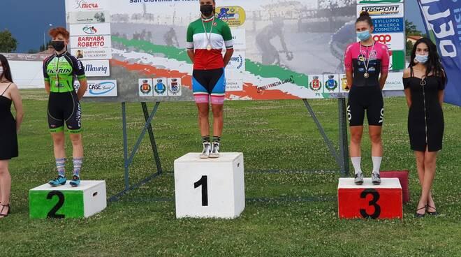 Vittoria Grassi podio