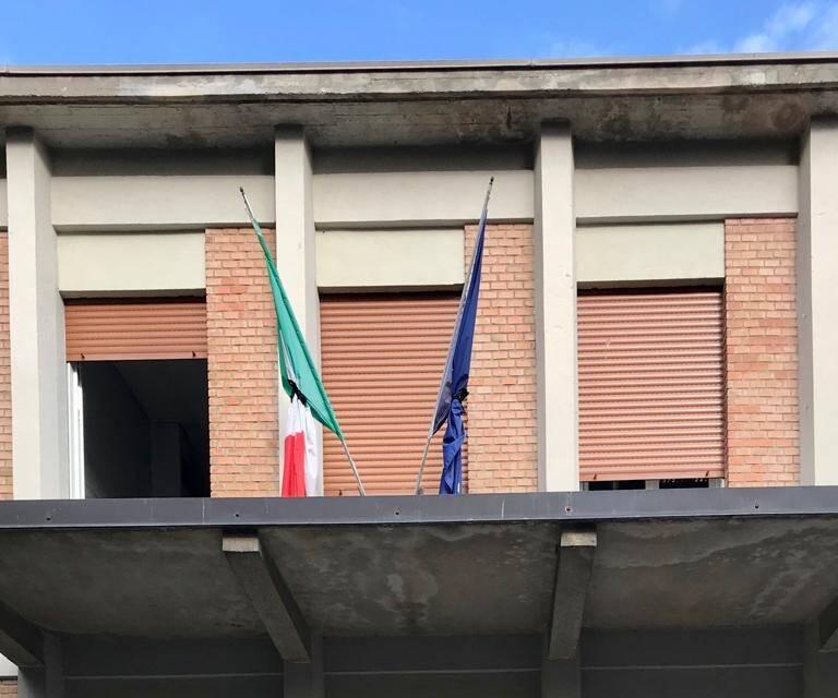 bandiere a lutto Colombini
