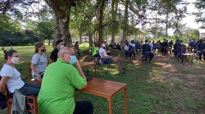 Festa in Uganda nella scuola di formazione agricola di Africa Mission